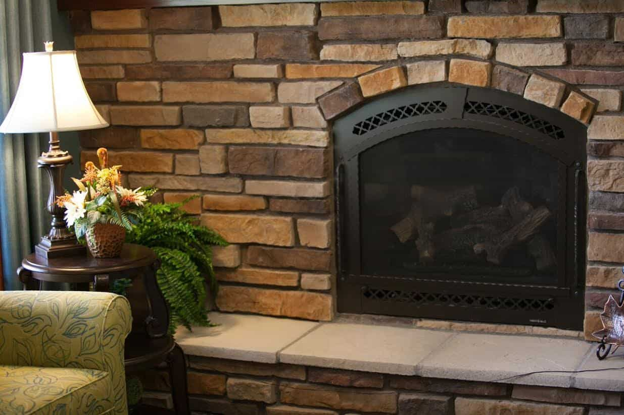 1 of 2 Fireplaces